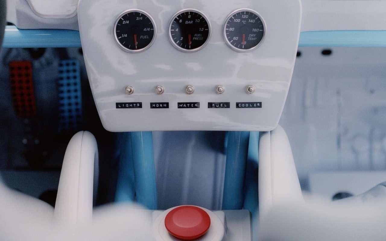 Страшное зрелище: Gelandewagen вруках парня изLouis Vuitton— фото 1165866