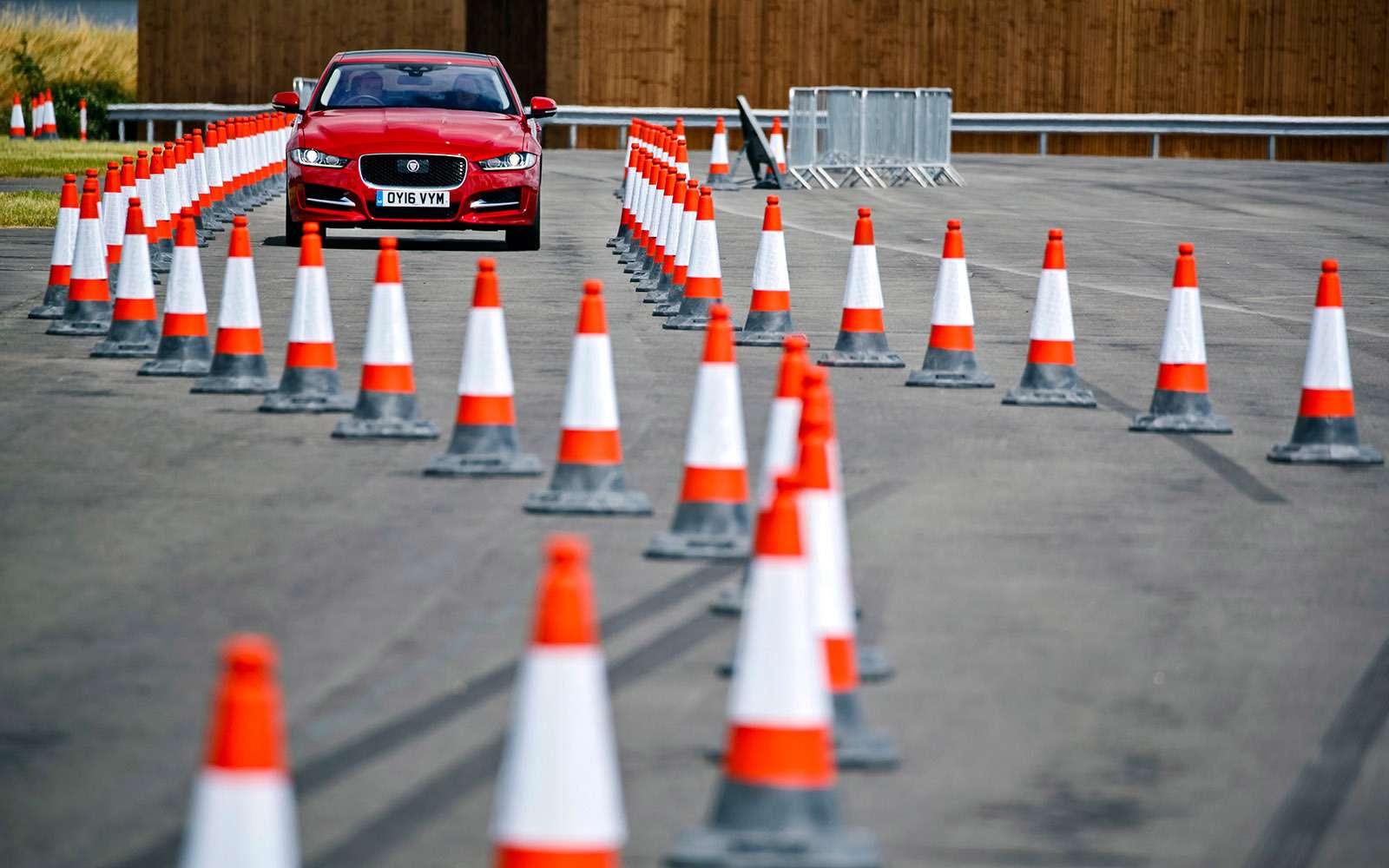 Перспективные технологии Jaguar Land Rover: длядорог инаправлений— фото 634881