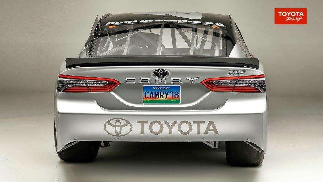 Тоже Camry: Toyota показала модель дляжестоких боев— фото 691545