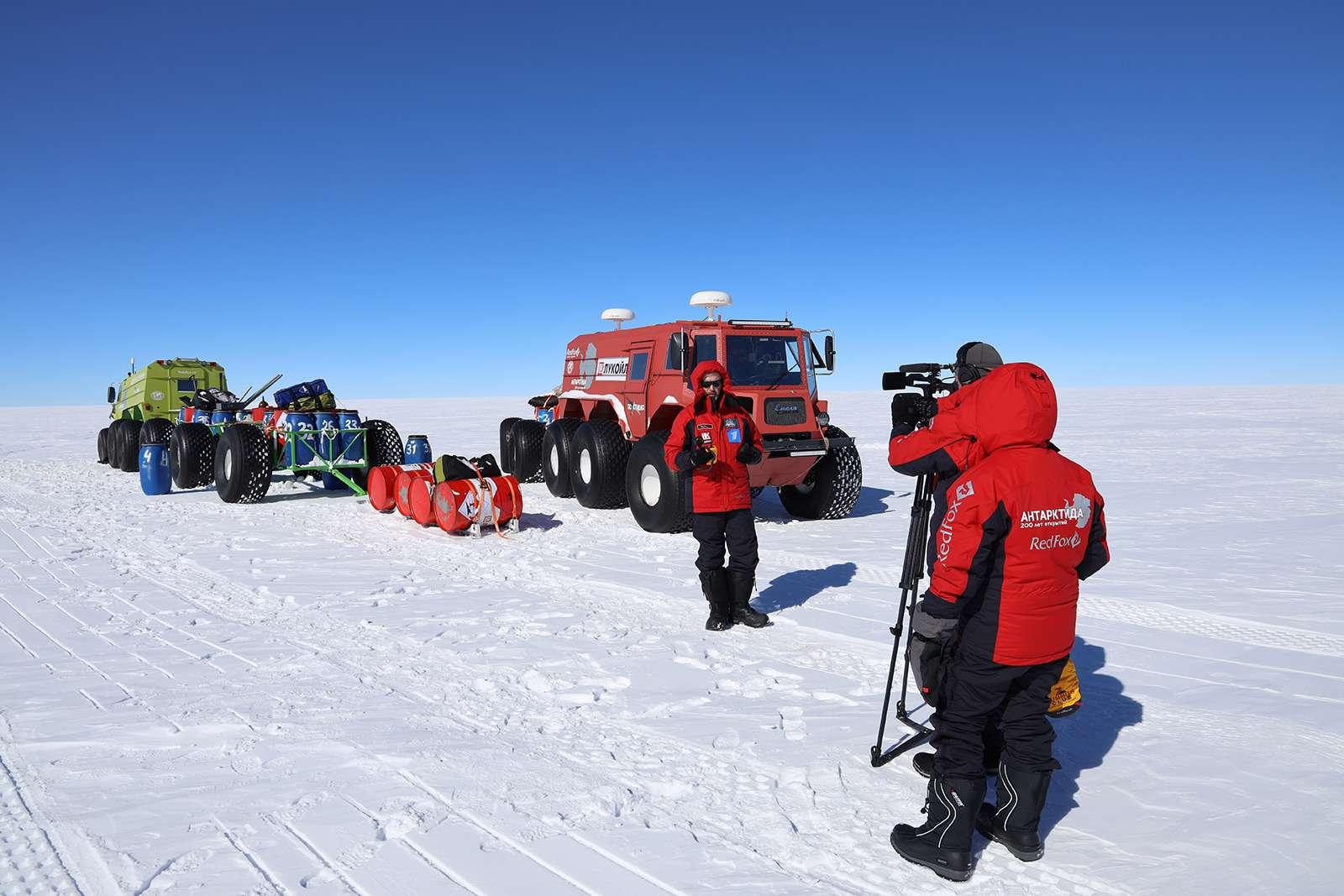 Есть рекорд: самый длинный автопробег через Антарктиду— фото 958572