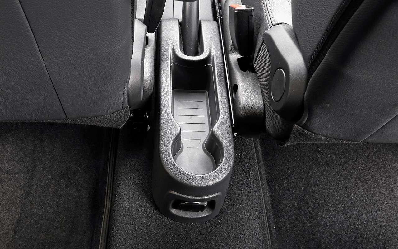 Большой тест кроссоверов: обновленный Ford EcoSport иконкуренты— фото 911221