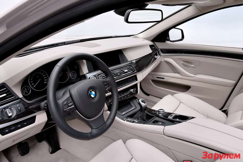 2011-BMW-5-Series-Touring8
