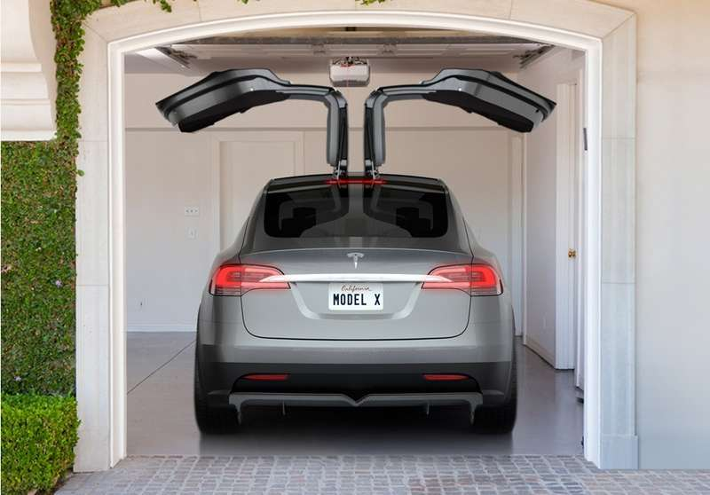 президент Tesla Motors Элон Маск рассказал некоторые подробности оновой модели компании— электрическом кроссовере Model X
