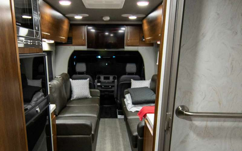 Пора вотпуск: новый автодом классической компании Chinook