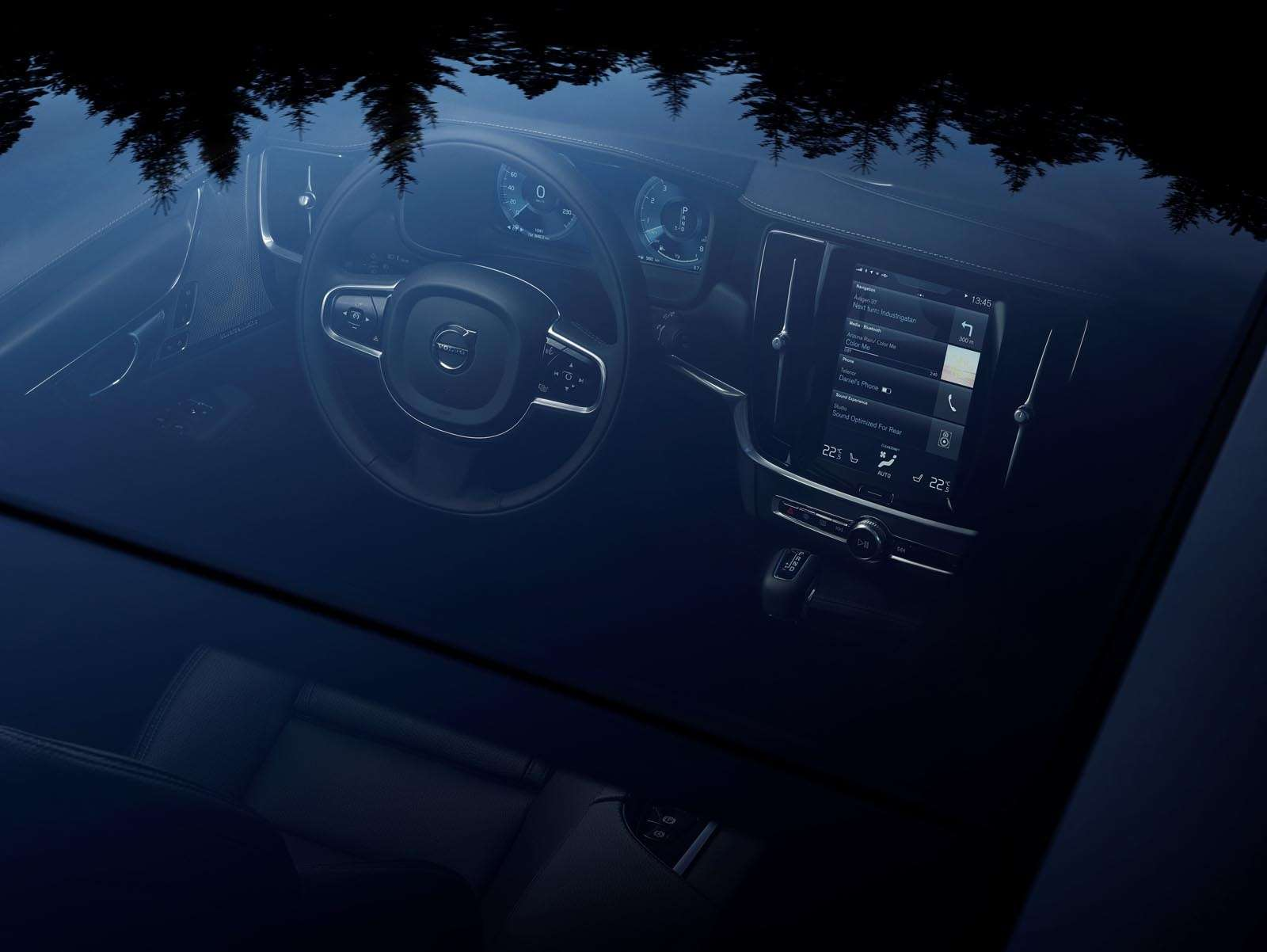 Volvo V90 Cross Country: старт российских продаж ирублевые цены— фото 674613