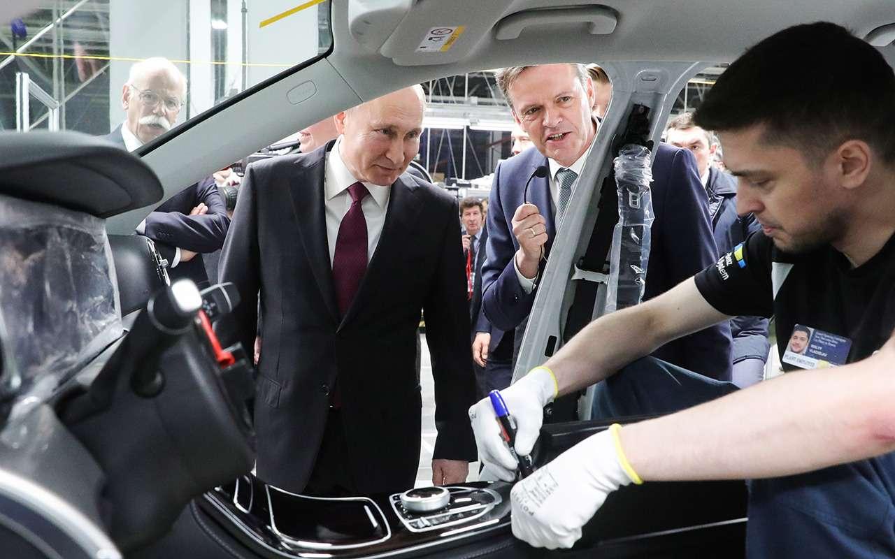Путин открыл российский завод Mercedes-Benz— фото 963044