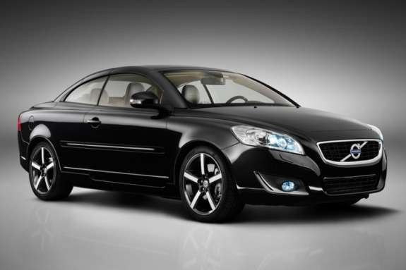 Volvo C70 side-front view