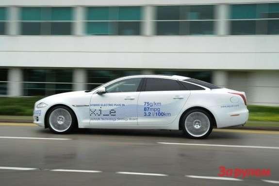201207021153_jaguar_xj_e_plug_in_hybrid_research_vehicle_side_view_2