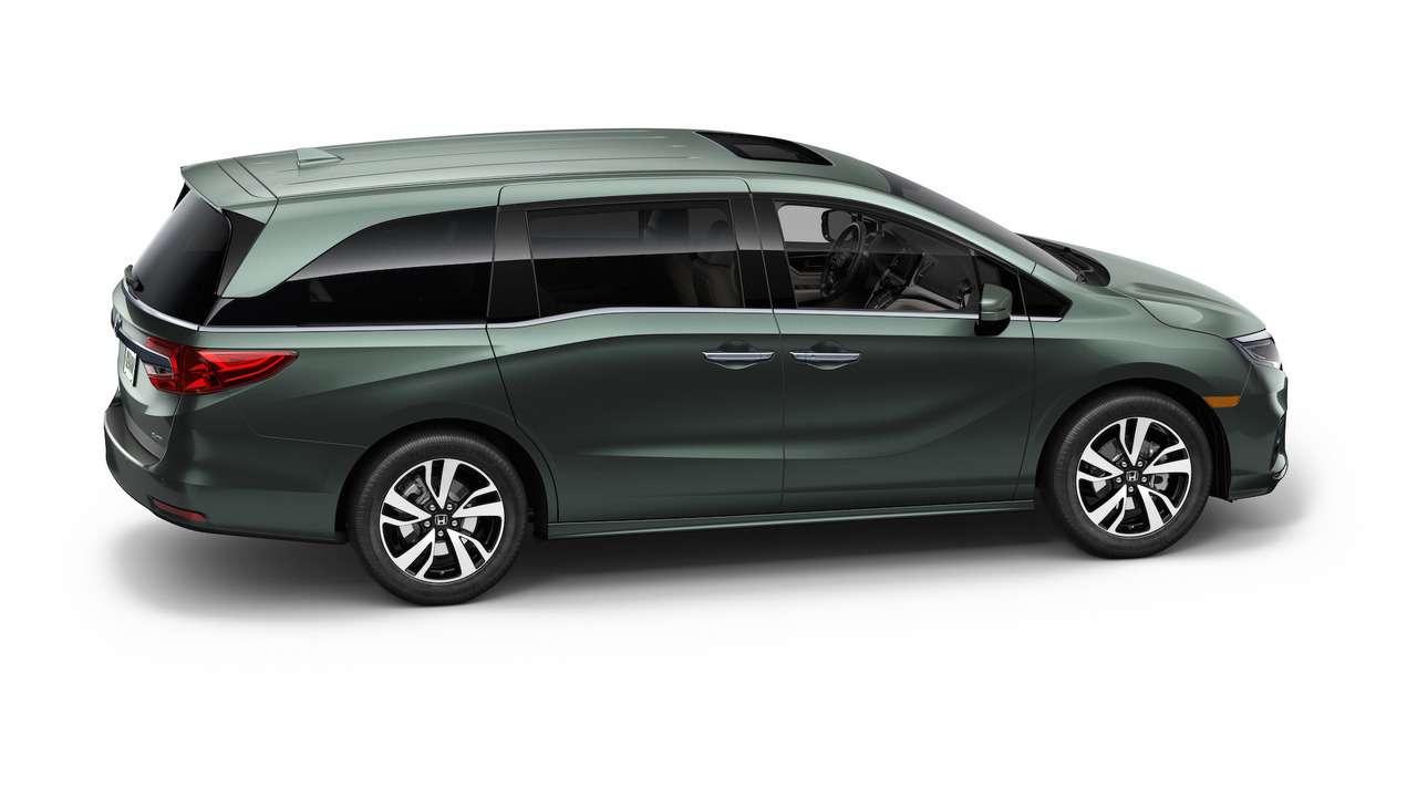 Домохозяйки аплодируют: Honda представила новый минивэн Odyssey— фото 690576