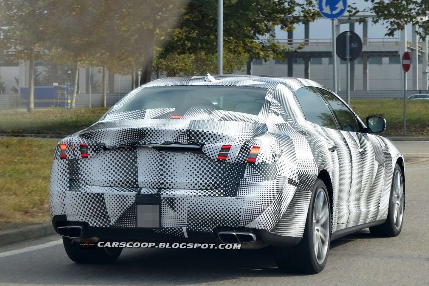 NewMaserati Quattroporte test prototype side-rear view 2_no_copyright