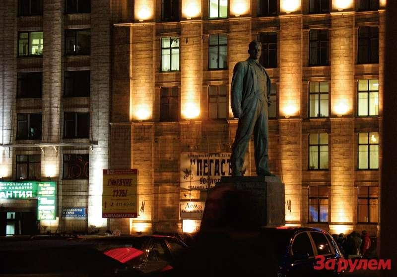 реконструкцию Триумфальной площади