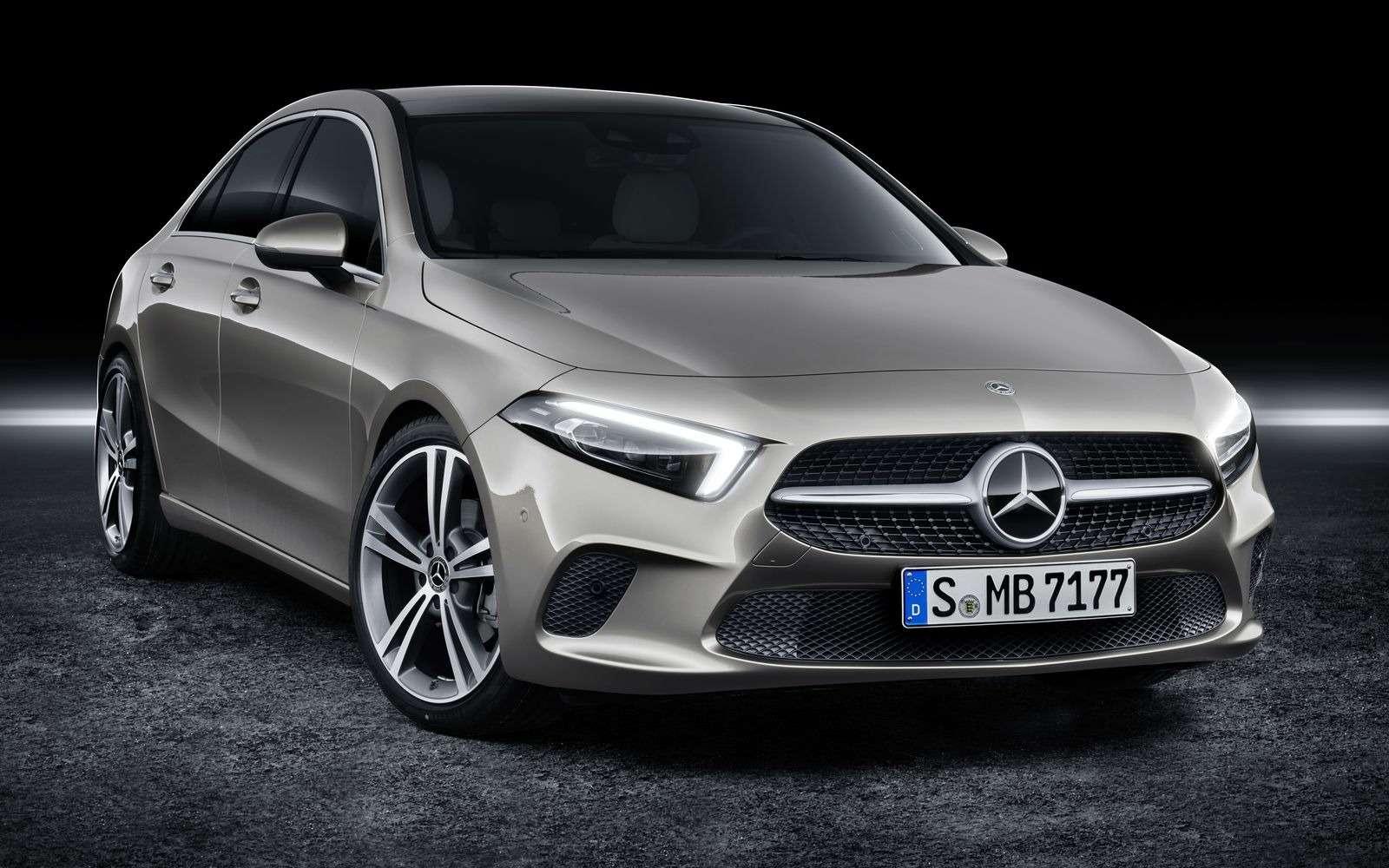 Евростандарт: представлен короткий седан Mercedes-Benz A-класса— фото 890428