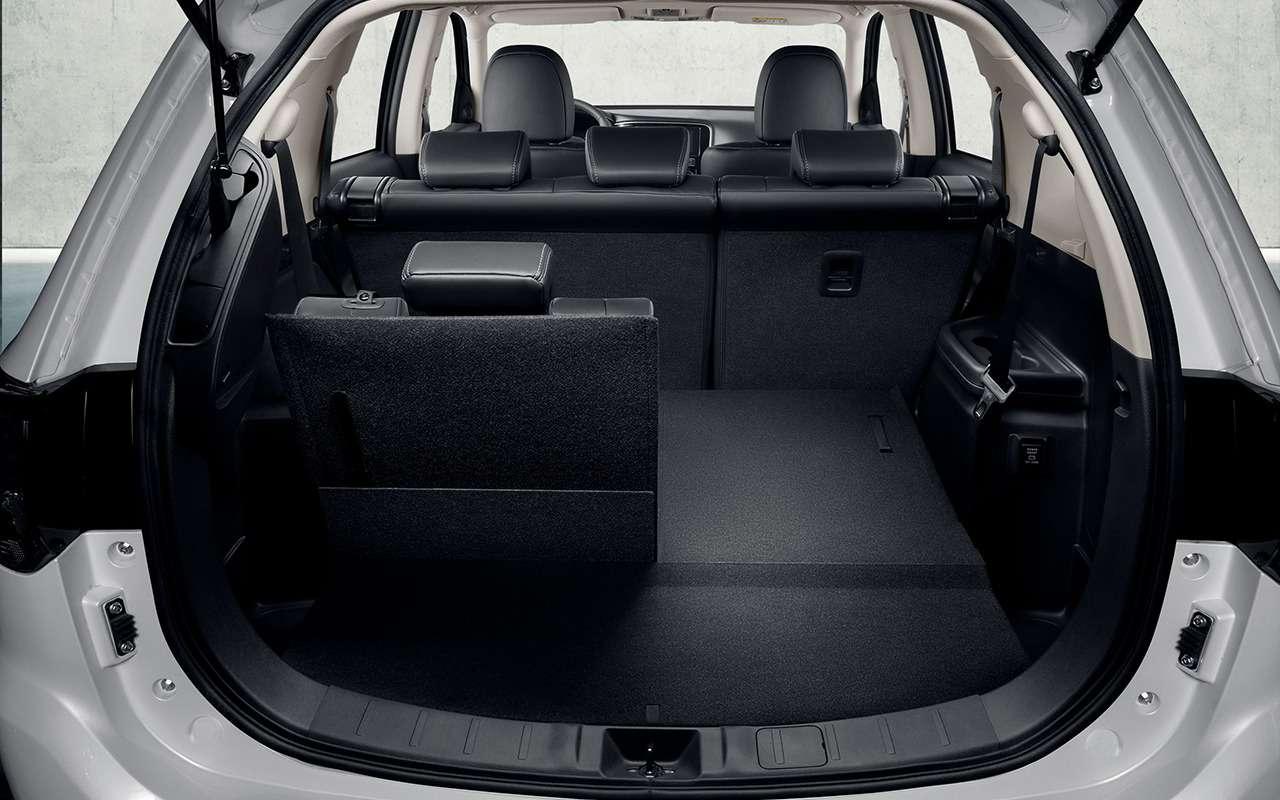 7-местный Mitsubishi Outlander: цены уже известны— фото 987476