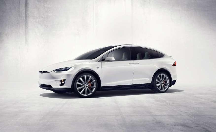 2016-Tesla-Model-X-130-876x535