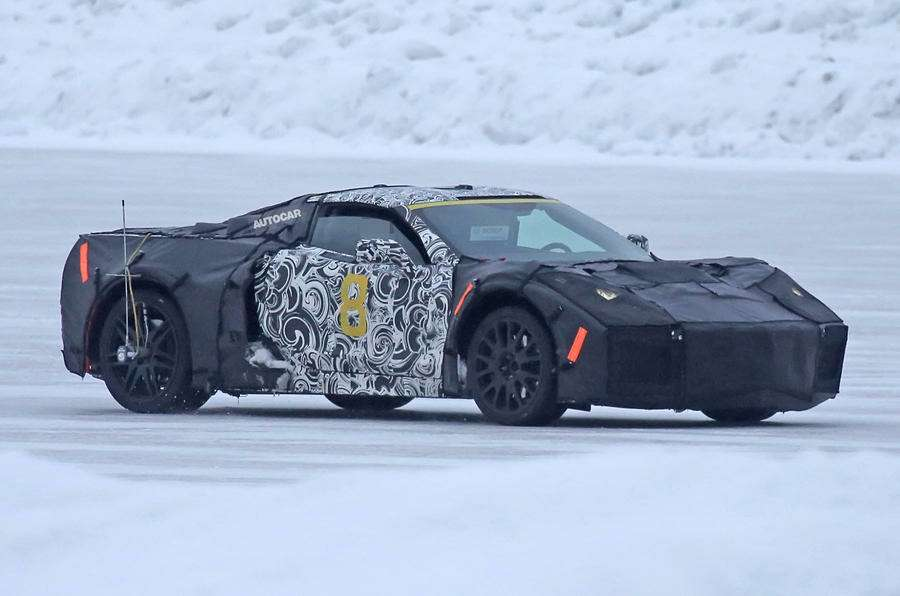 Жонглируя компоновкой: небывалый Chevrolet Corvette заснят натестах— фото 704453