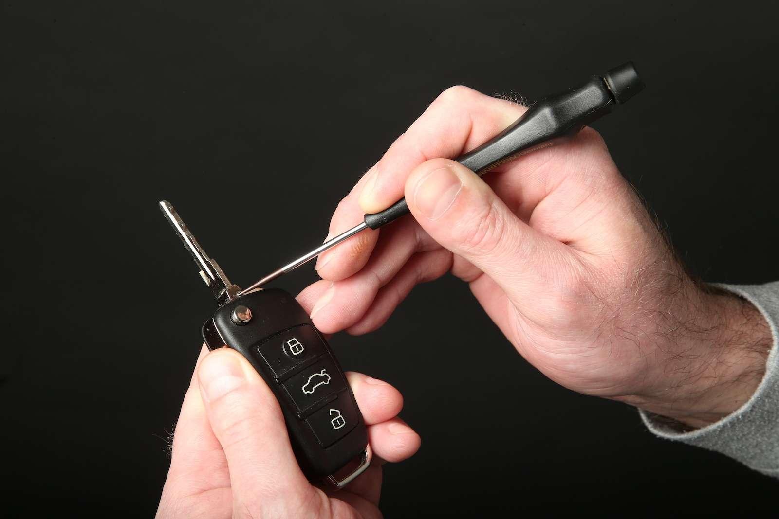 Lada Kalina: меняем штатный ключ зажигания наскладной— фото 579985