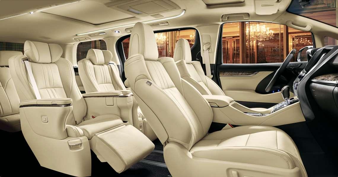 Обновленный Toyota Alphard вРоссии: немного мощнее изаметно дороже— фото 847018