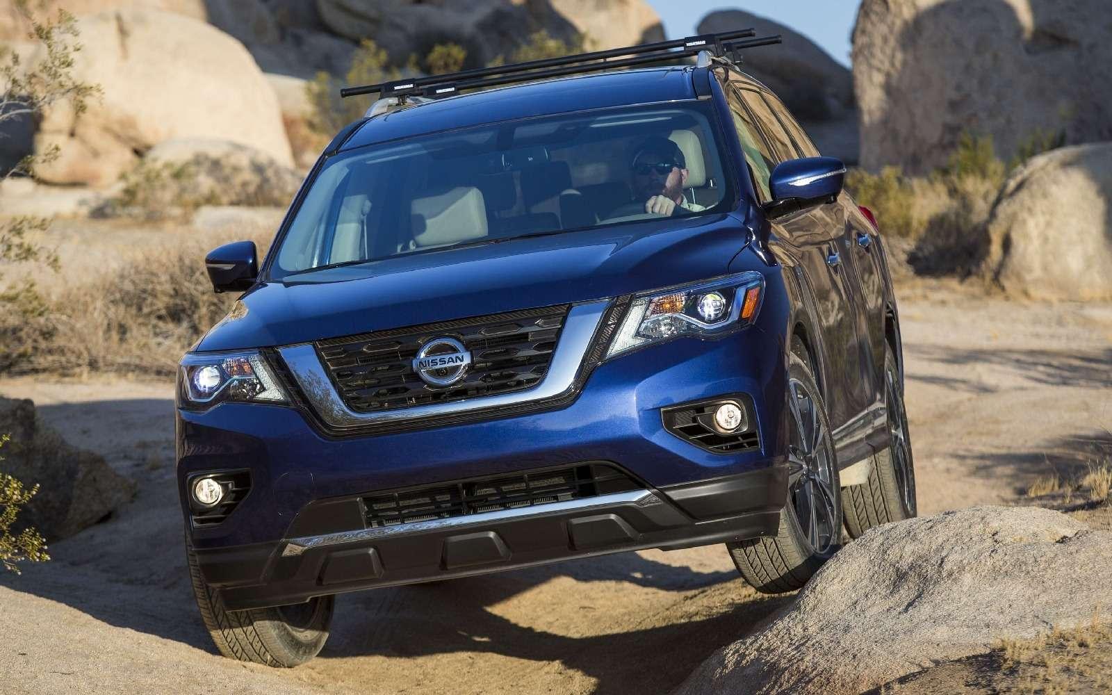 Обновленный Nissan Pathfinder взял уроки физкультуры— фото 606252