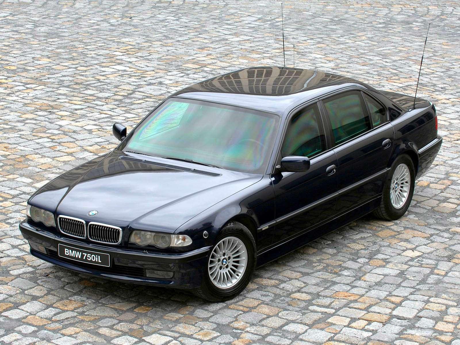 Премиальный автомобиль за200 тысяч рублей: респект изпрошлого— фото 611049