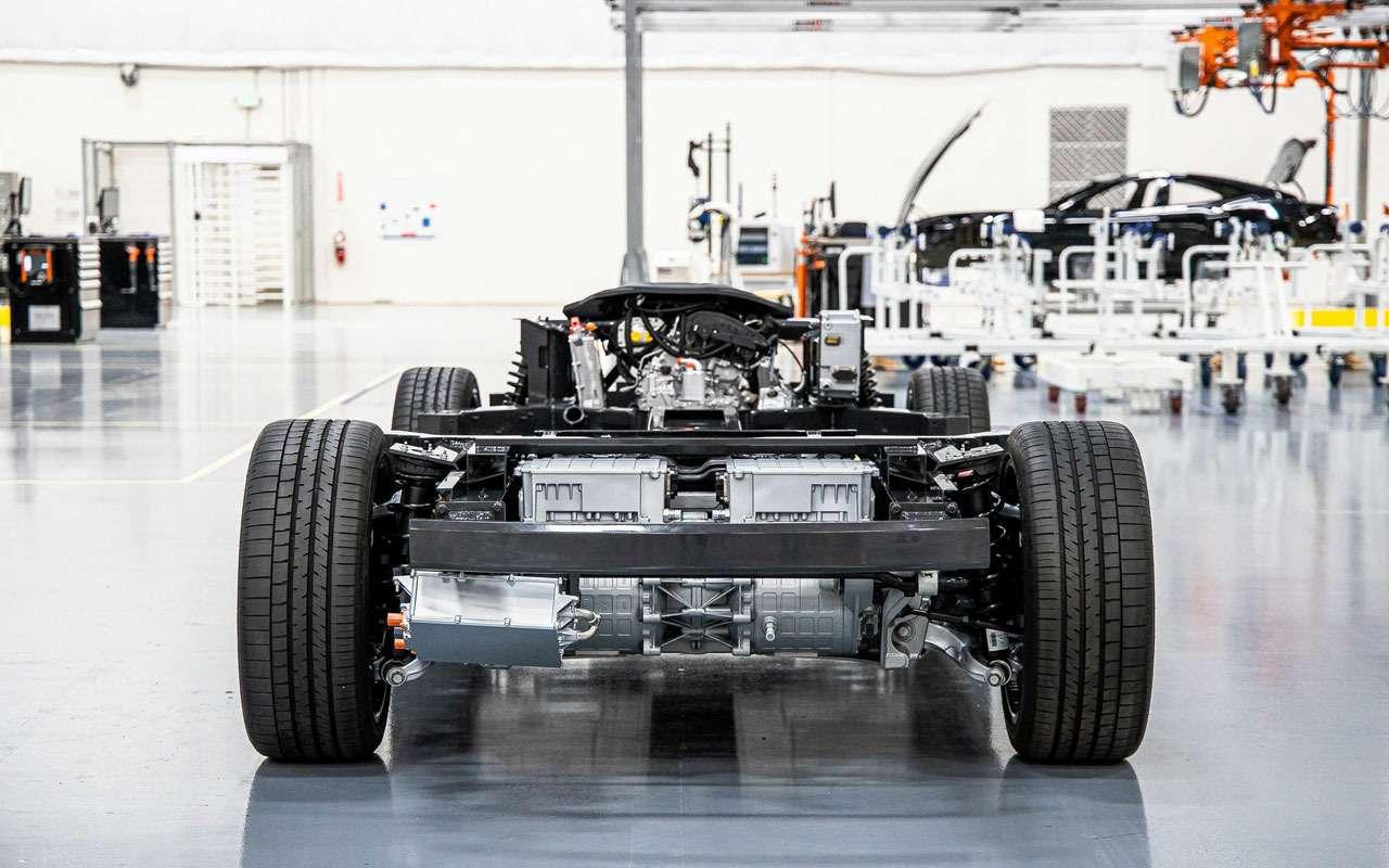 Приехали: грузовики исуперкары построят наодной платформе— фото 1113822