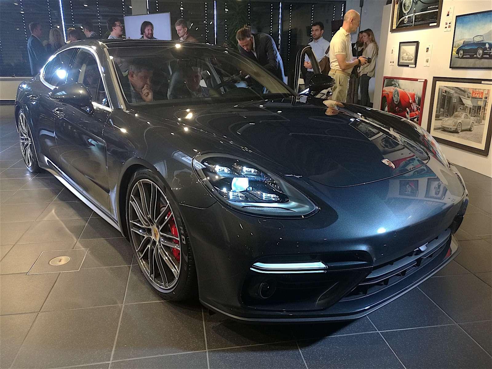 Новую Porsche Panamera показали российским СМИ— фото 630879
