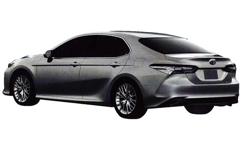 Новая Toyota Camry дляРоссии— первые изображения