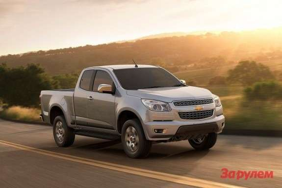 NewChevrolet Colorado side-front view