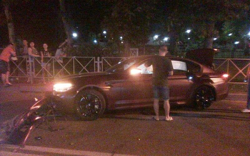 Нападающий Федор Смолов разбил BMW за 9 миллионов рублей
