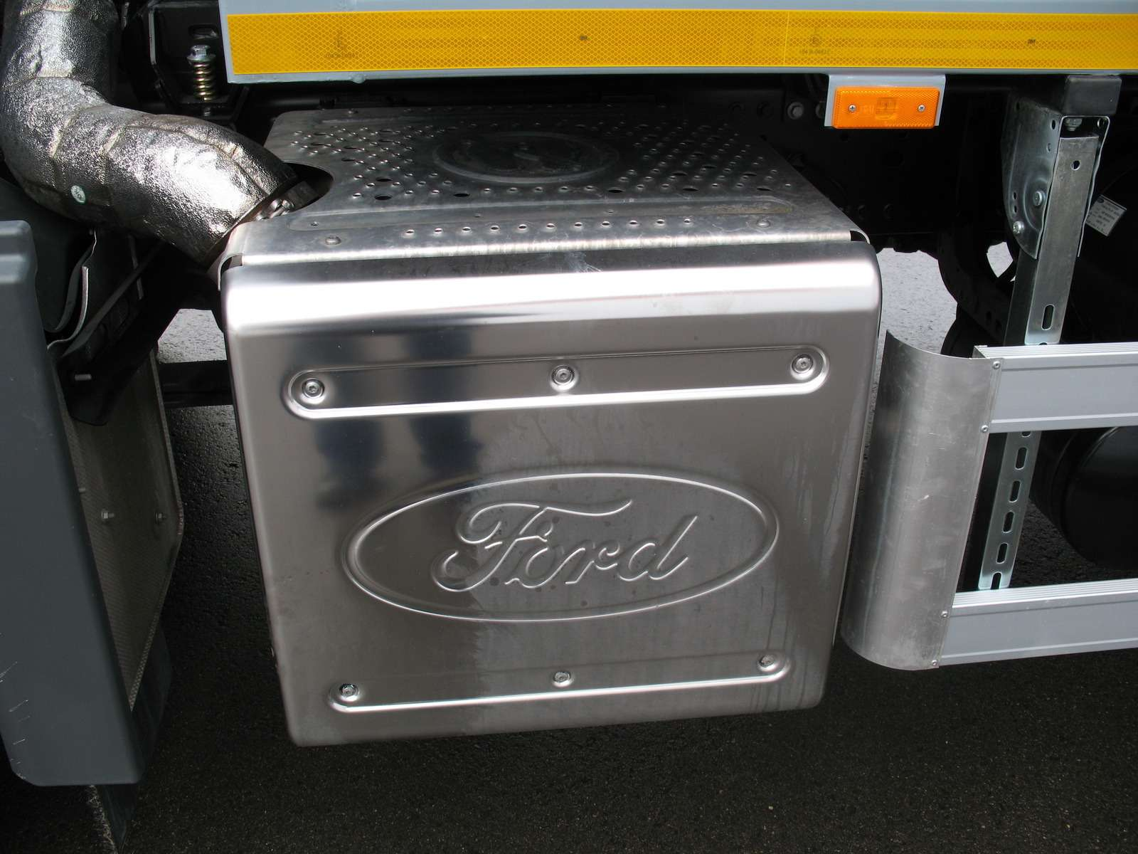 Новый 18-тонный грузовик Ford российской сборки— фото 1229928