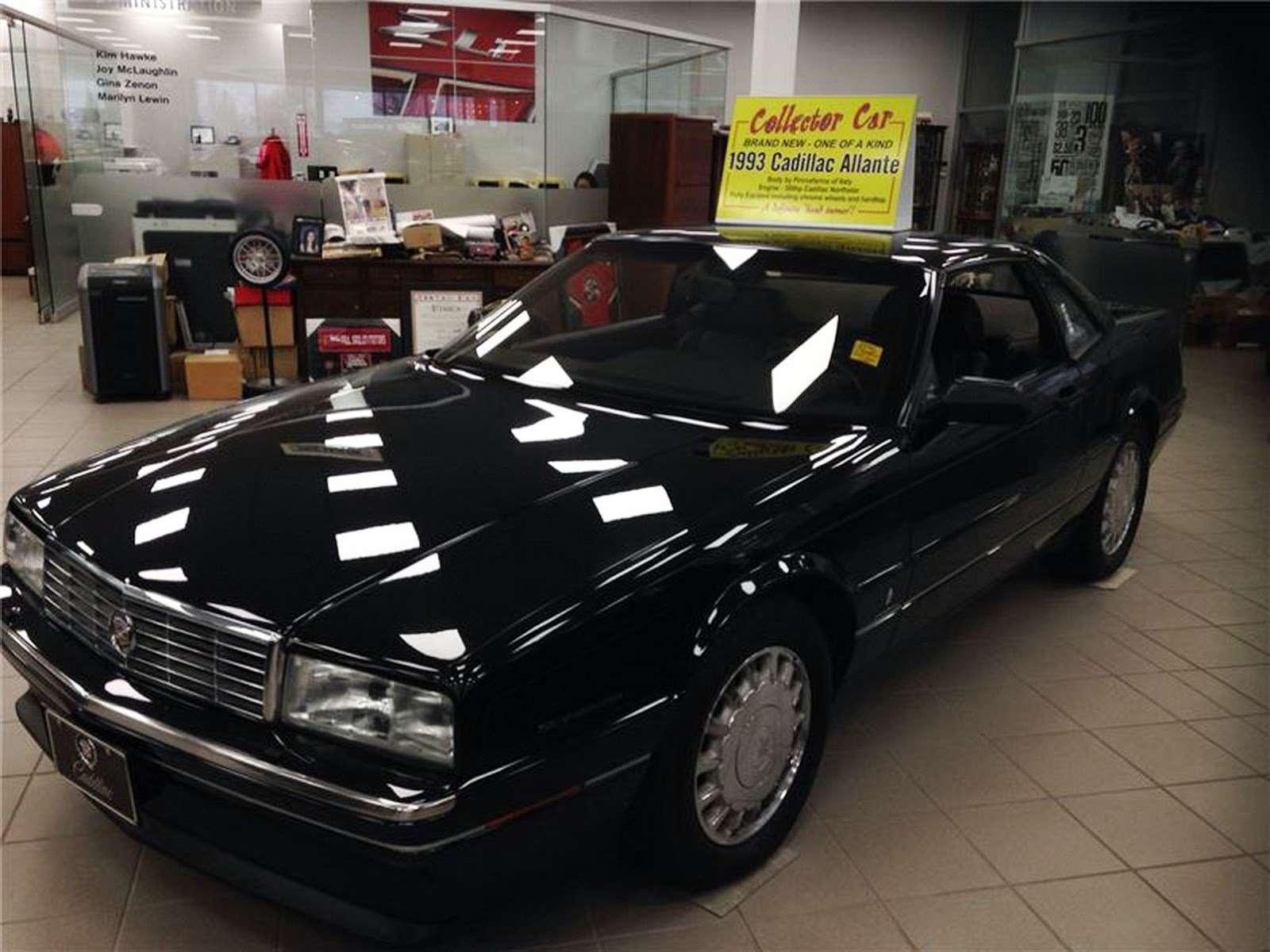 Cadillac Allante задержался вшоу-руме на… четверть века— фото 698746