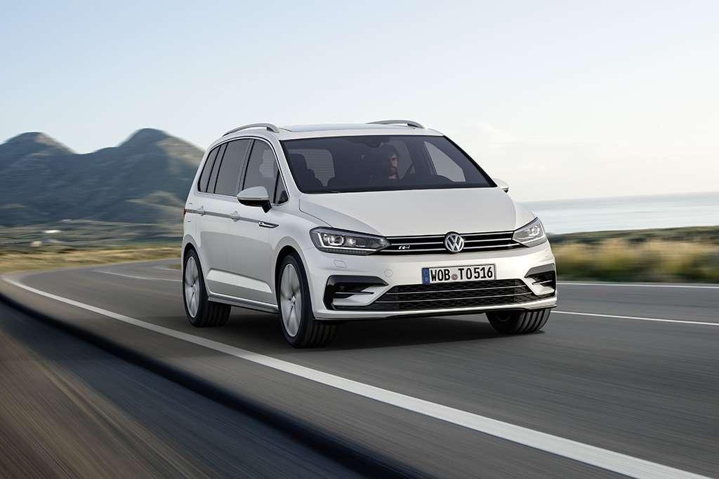 Volkswagen_Touran_R_Line_(1)