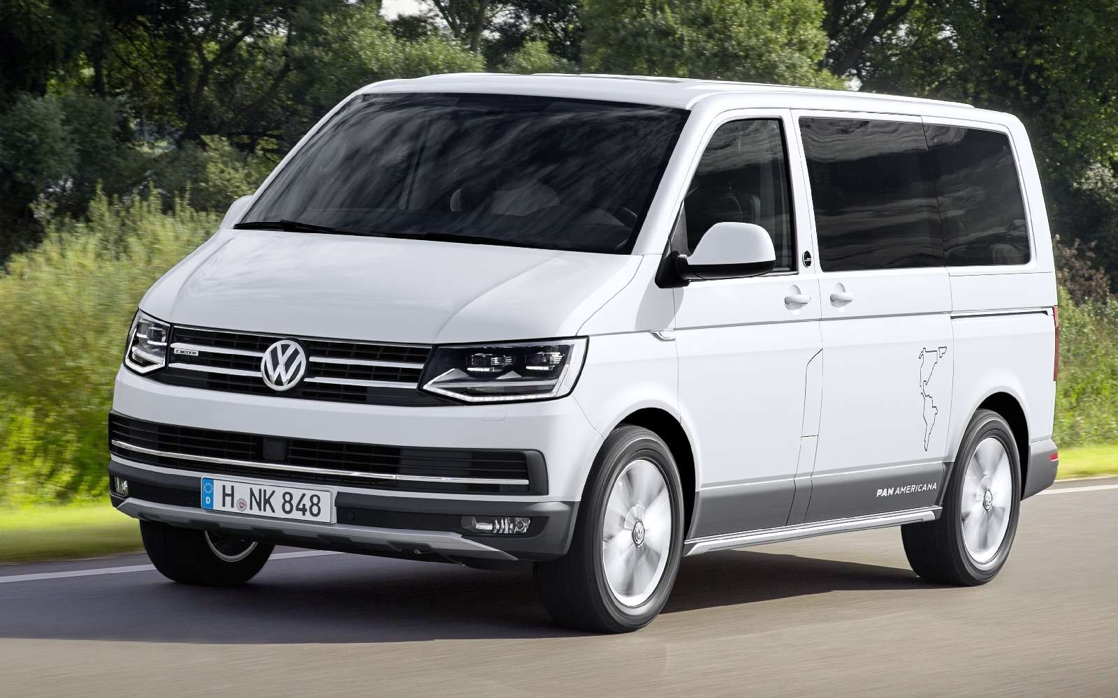 Привет Америке: VWпредставил кросс-версию микроавтобуса Multivan— фото 637172