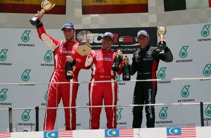 TCR_Race 2_podium