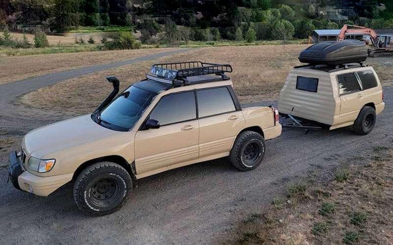 Самодельный Subaru Forester Ute стрейлером-прицепом