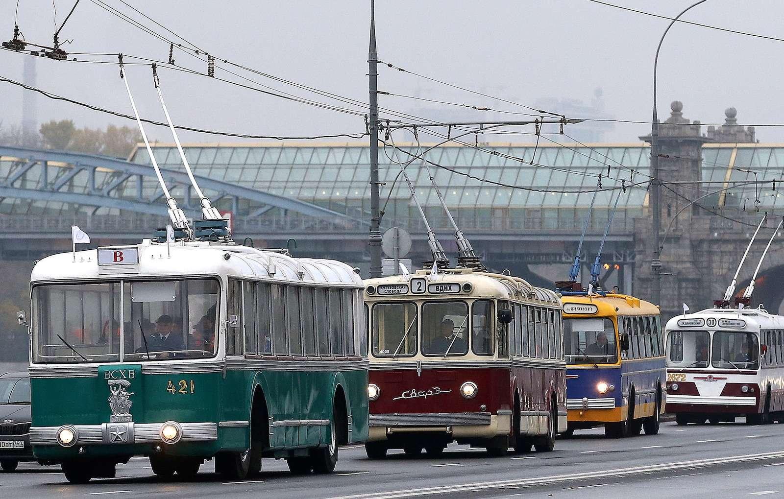 Дали порогам: кому переехали дорогу троллейбусы— фото 572098