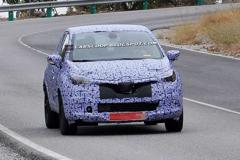 NewRenault B-SUV test prototype front view_no_copyright