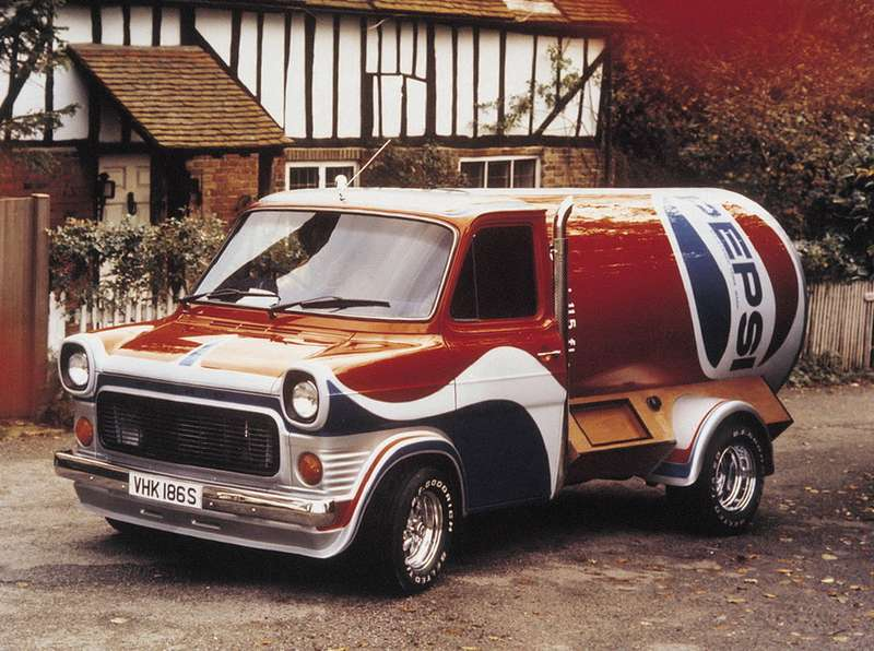 Визитная карточка британского Ford— семейство развозных фургонов илегких грузовиков Transit. Производство началось в1965 году, авмарте 2010с конвейера сошел 6-миллионный Transit седьмого поколения