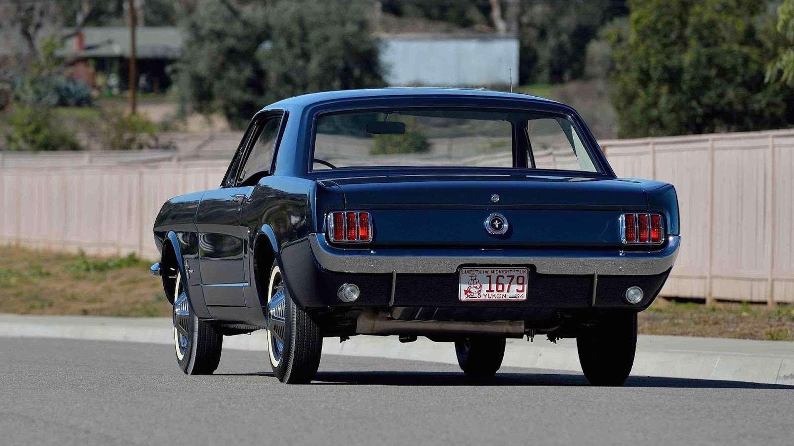 Самое первое купе Ford Mustang потрясет аукцион ценой— фото 726635