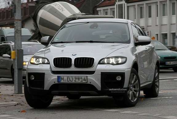 Facelifted BMW X6front view