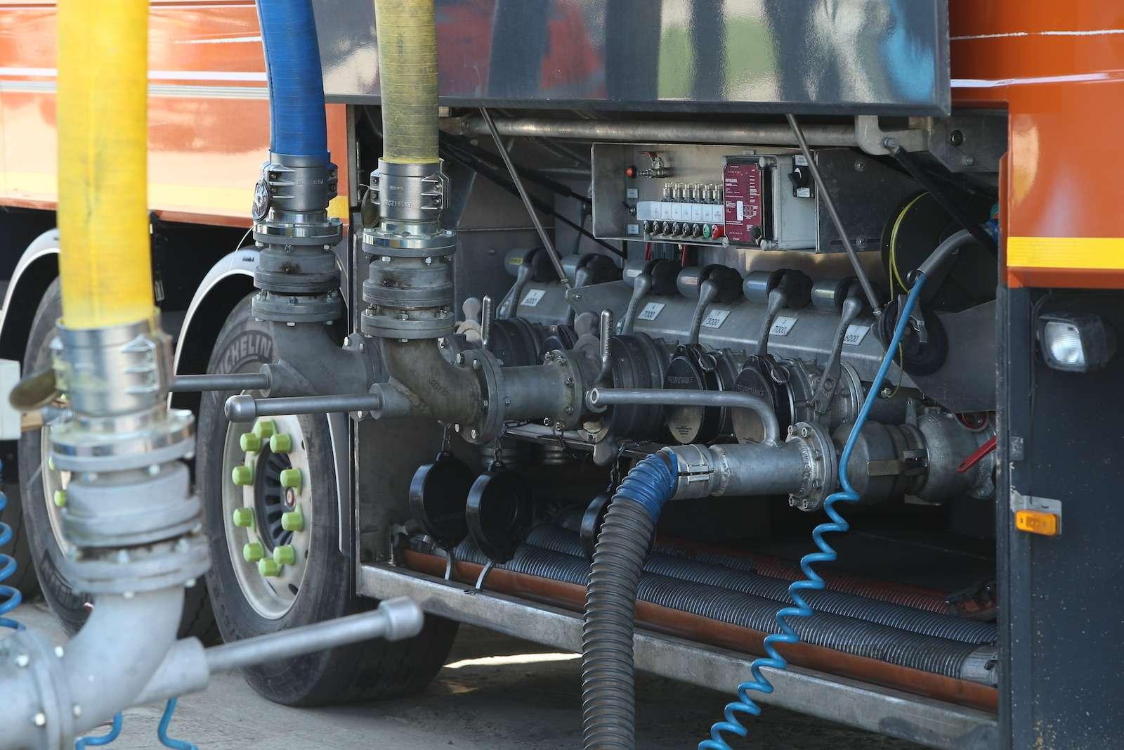 Откуда берется плохой бензин? Расследование эксперта «Зарулем»— фото 575550