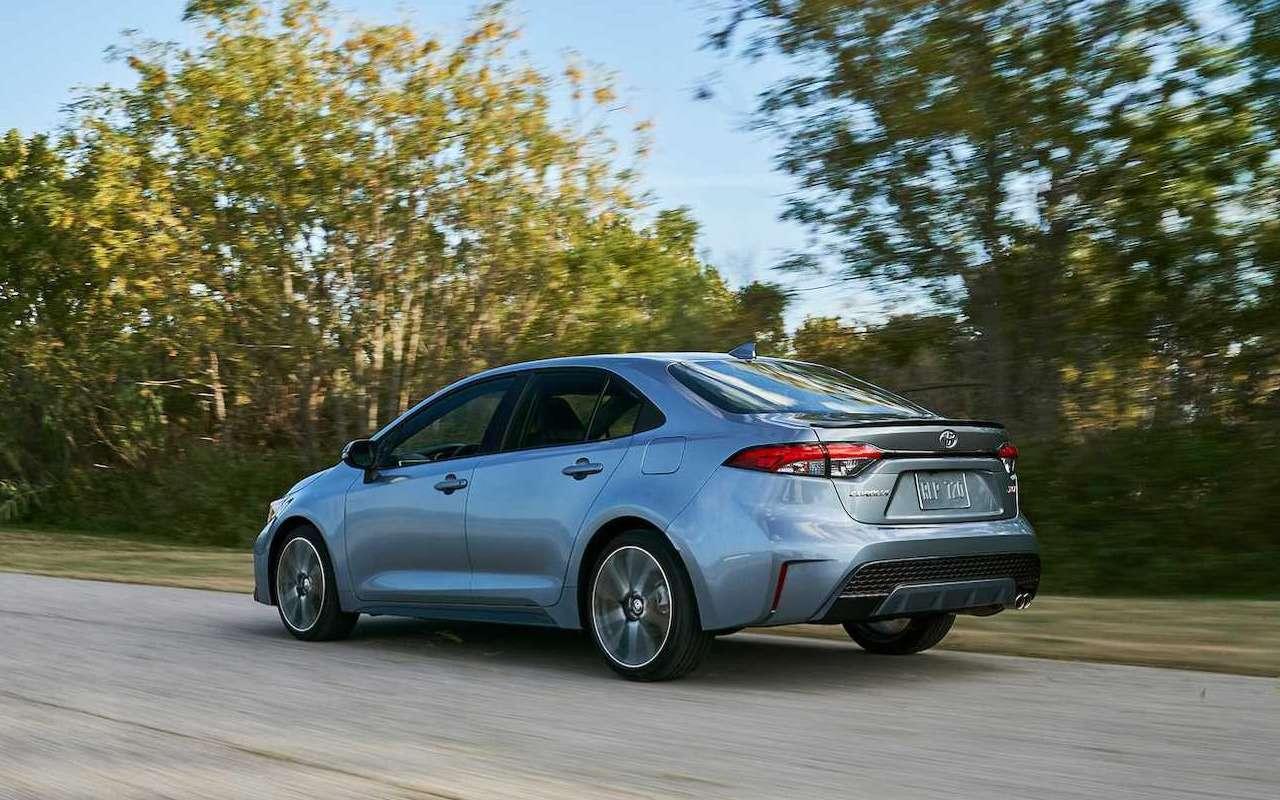 Toyota показала новую Короллу— фото 923267