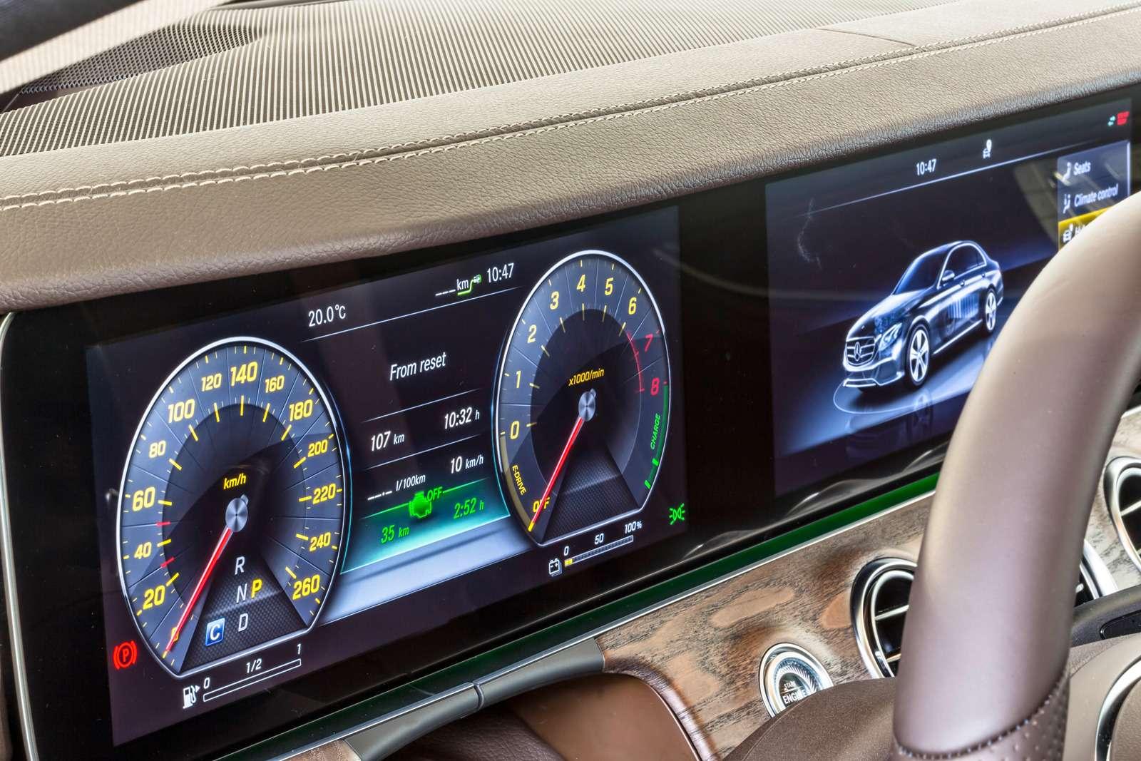 Новый  Mercedes-Benz E-класса: сравниваем версии— фото 570034