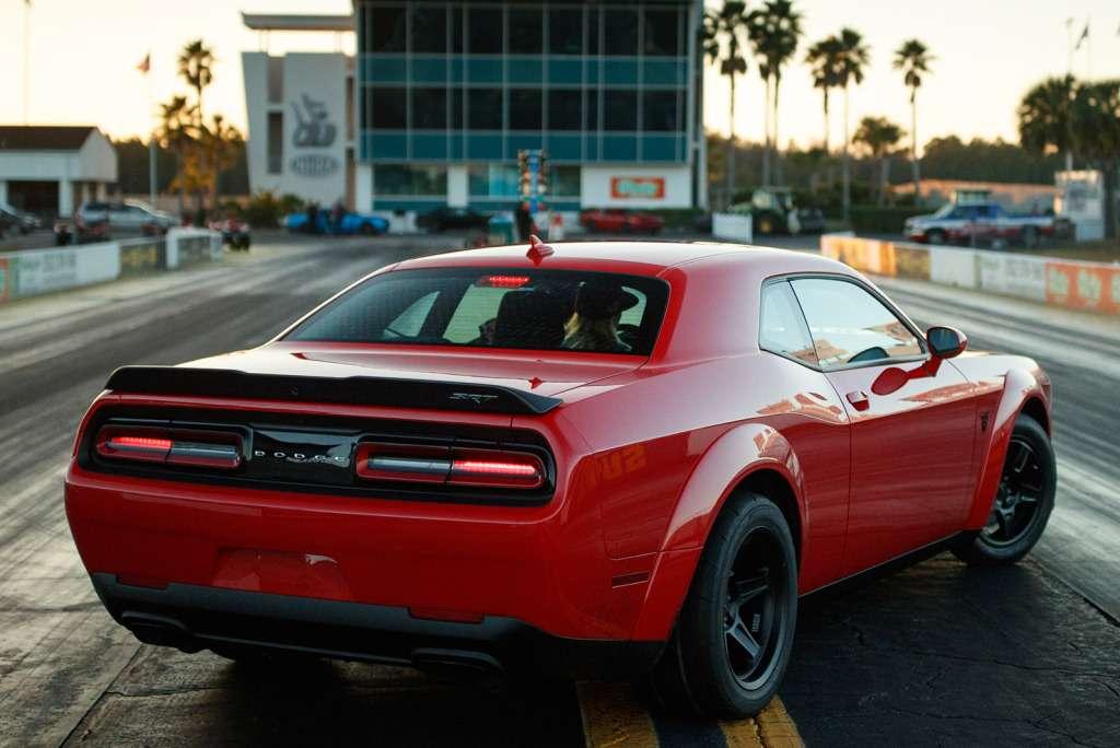 ПриНиксоне такого небыло: Dodge Challenger SRT Demon представлен официально— фото 735601