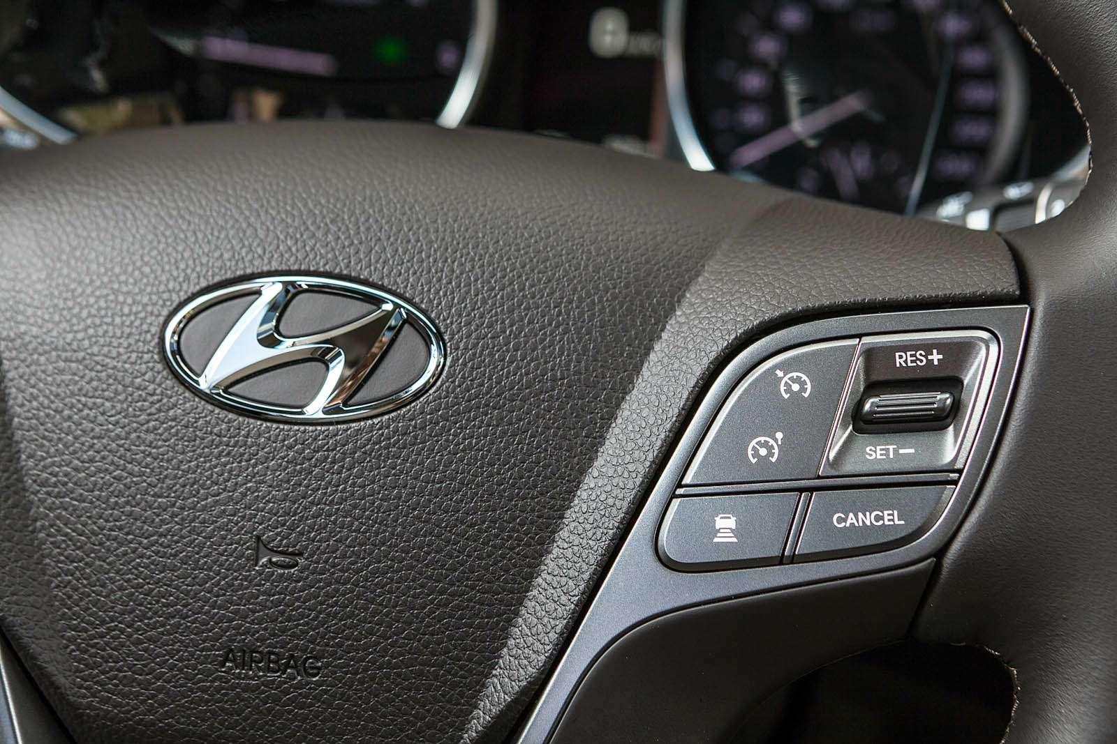 Обновленный Hyundai Grand Santa Fe: первый российский тест-драйв— фото 593797