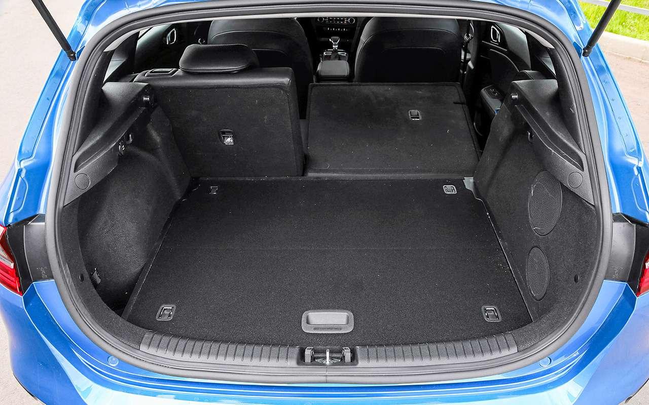 Новая Mazda 3, VWGolf иKia Ceed: большой тест— фото 1007216