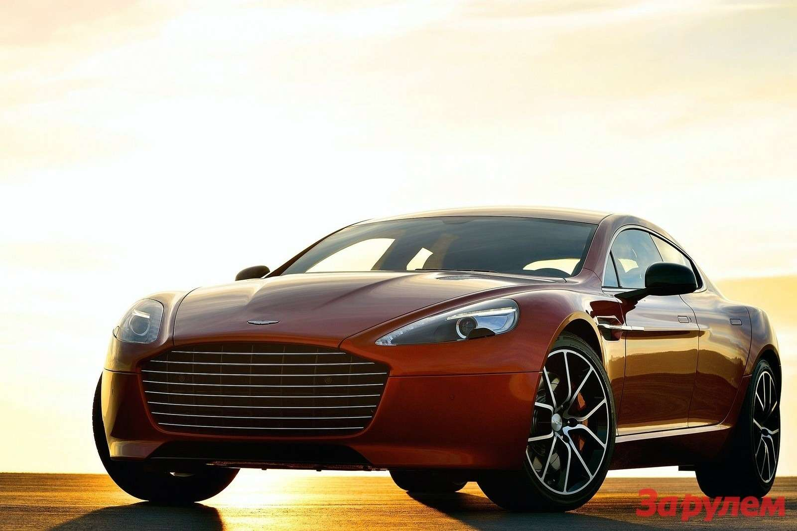 Aston Martin Rapide Sside-front view 2