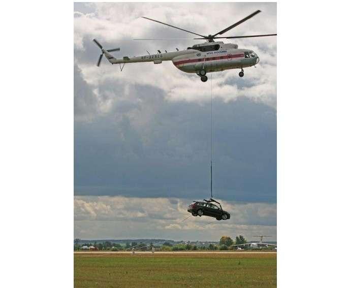 вертолет иавтомобиль
