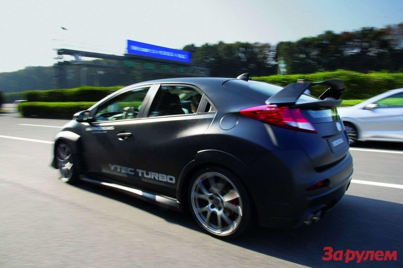 Новый заряженный хэтчбек Honda Civic Type R