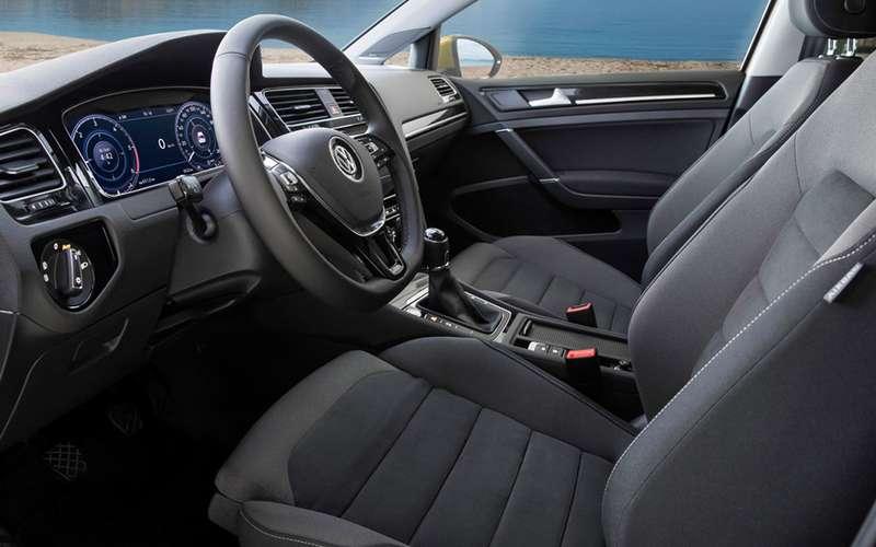Volkswagen Golf вернулся вРоссию: известны цены икомплектации