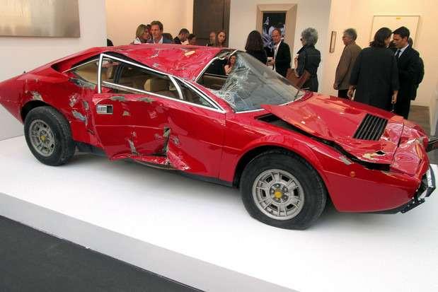 Разбитый Ferrari Dino GT4 продали за181185 евро